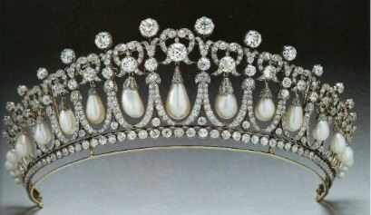 Cambridge_Lovers_Knot_Tiara