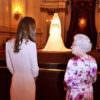 William & Kate: in mostra a Buckingham Palace l'abito da sposa