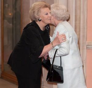 Elisabetta II e la regina Beatrice