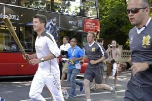 Frederik med den Olympiske Fakkel
