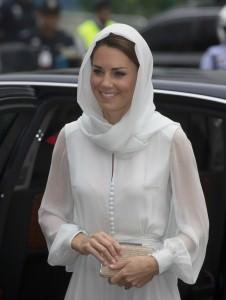Kate+Middleton+Duke+Duchess+Cambridge+Diamond+swA7Hzf-CCrx