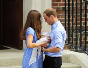 Kate+Middleton+Prince+Cambridge+Makes+Debut+0Lyi22WiheXl