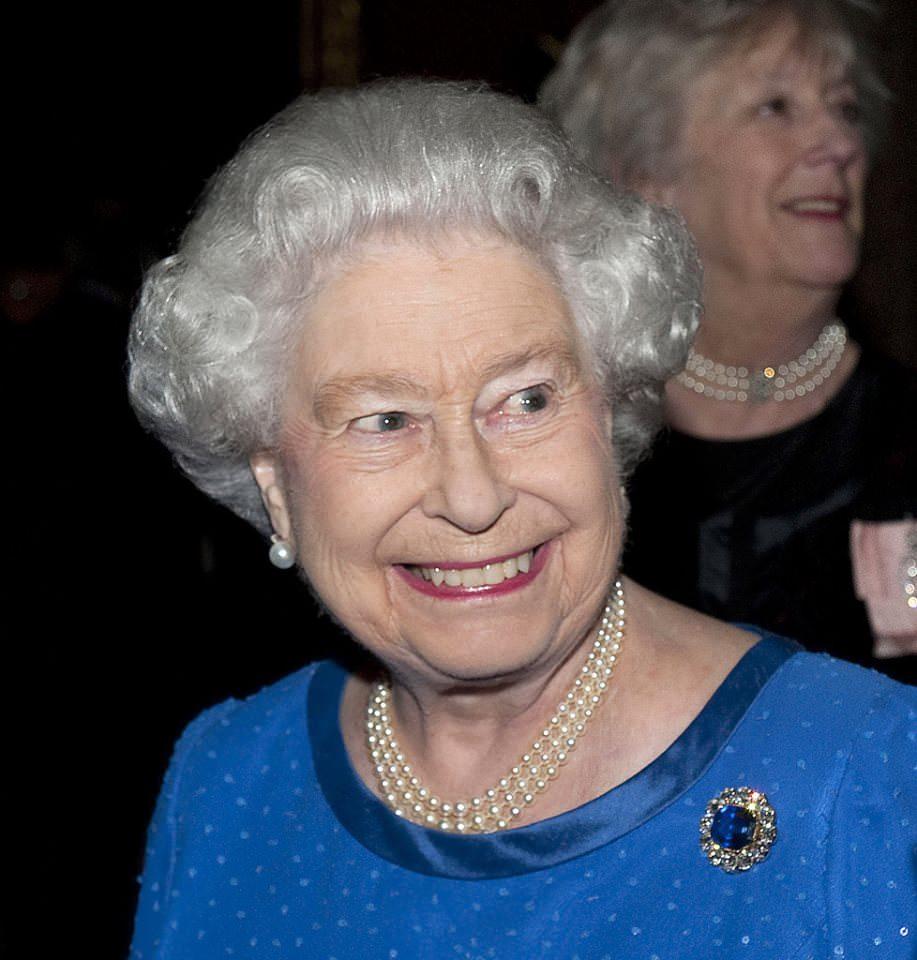 Lo Zaffiro Della Regina Elisabetta Un Gioiello Misterioso