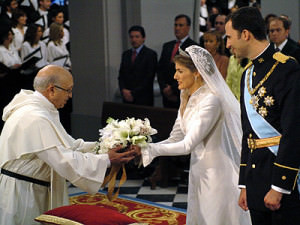 SPAIN-ROYALS-FELIPE-LETIZIA-FLOWERS-WEDDING