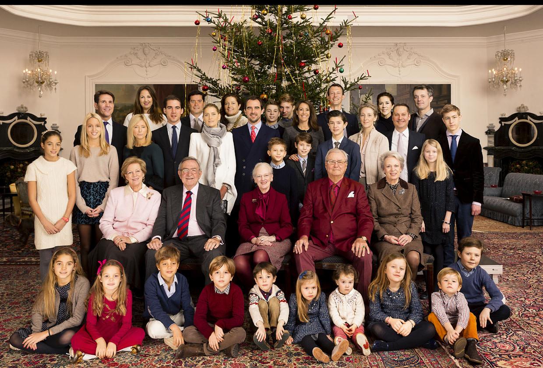Foto Natale Famiglia Reale Inglese 1990.Margrethe Di Danimarca 75 Anni E Non Sentirli