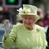 La regina Elisabetta compie 90 anni ed ecco di nuovo tutti i motivi per i quali è un mito