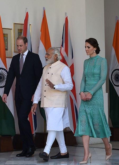 William-Kate-India11