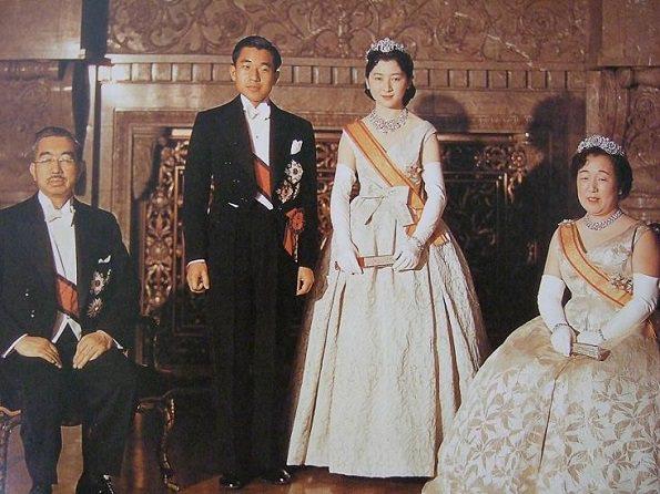 Akihito_abdica_2
