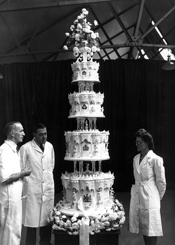 70 anni di matrimonio, la wedding cake