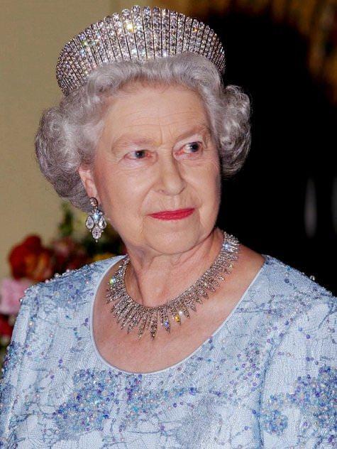 Fringe tiara, Elisabetta II
